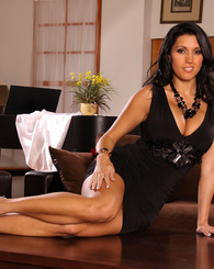 Sexy date Dylan Ryder...