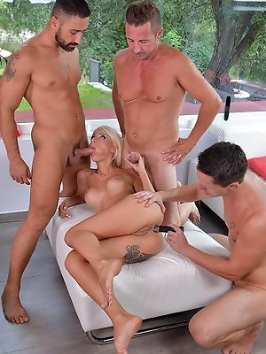 Group Sex Extreme! Triple...
